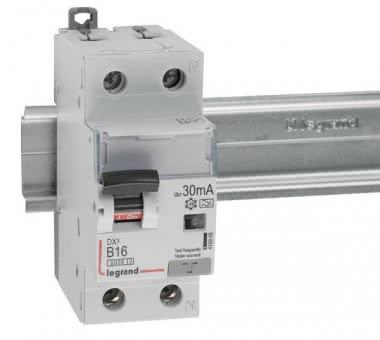 LEGR Dx3 FI/LS-Schalter B16A 1P+N 410965